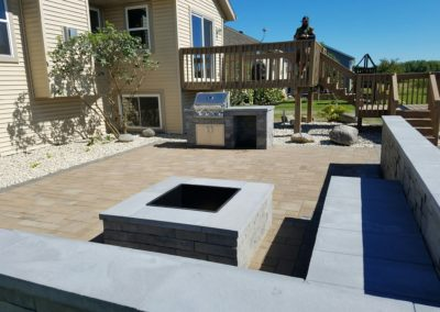 Stone-patio-firepit-seating-min